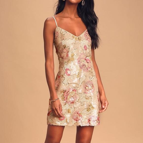 Lulu's Dresses & Skirts - lulu's sequin mini shift dress